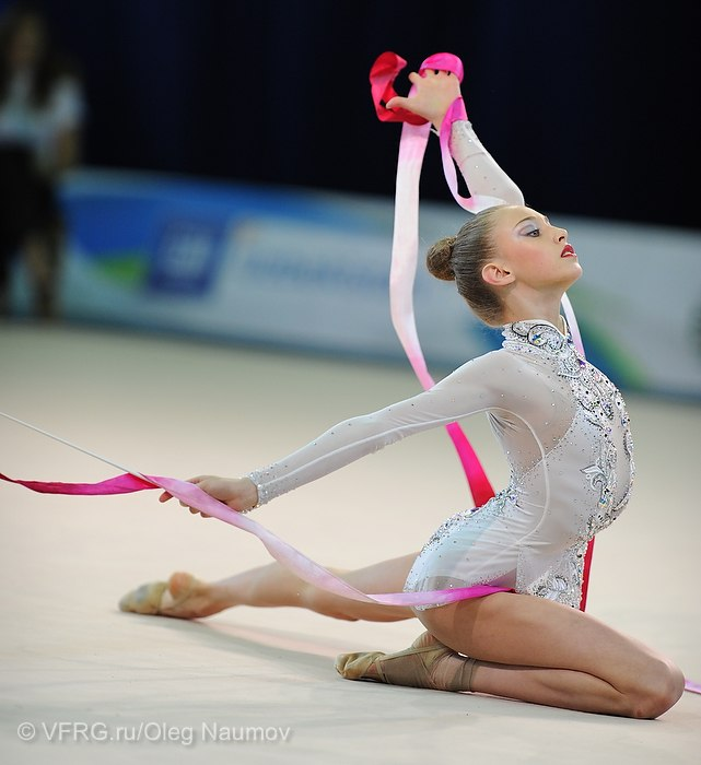 Maria Titova-Ribbon-ending-junior team competition-Happy Caravan Tashkent 2012